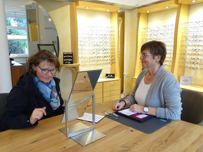 Brillenmacher Bederkesa Beratungsgespräch